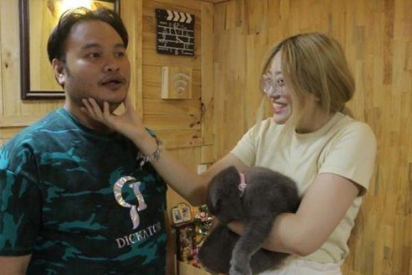 Mải mê bận rộn, Vinh Râu thẳng thắn xin lỗi vợ trên truyền hình