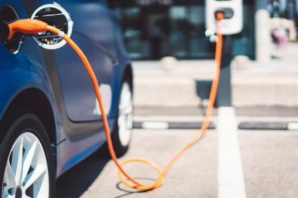 Đừng nhầm lẫn xe điện không gây ô nhiễm không khí