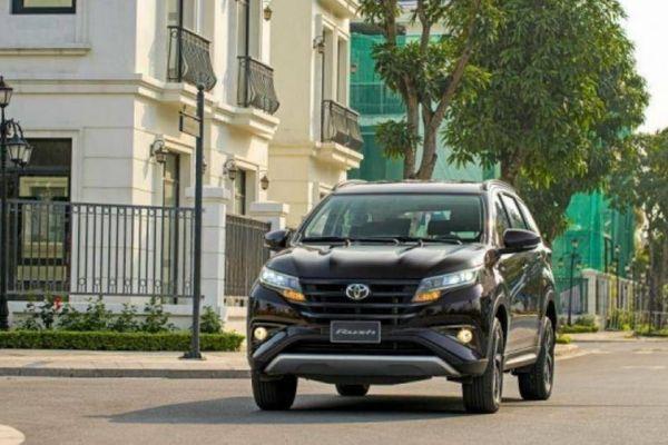 Sau khi giảm giá niêm yết, lăn bánh Toyota Rush còn bao nhiêu?
