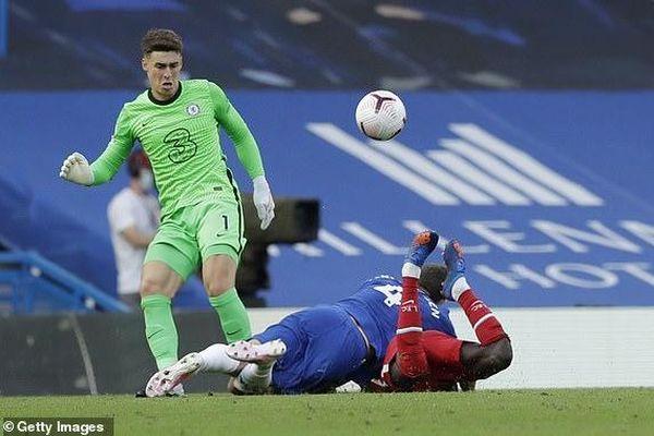 Hàng thủ thảm họa, Chelsea thua đau Liverpool