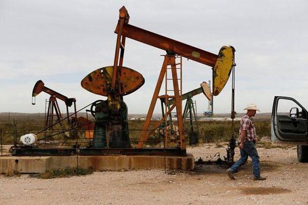 Bỏ qua nỗi lo về triển vọng nhu cầu, giá dầu quay đầu tăng hơn 1%