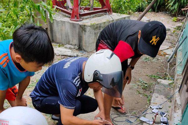 Triển khai 423 điểm sạc điện thoại miễn phí cho người dân tại Thừa Thiên Huế