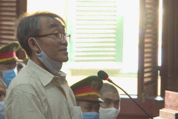 Người ném bom xăng vào trụ sở công an ở TP.HCM lĩnh 24 năm tù
