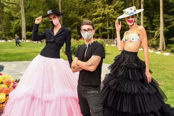 Bể show thời trang vì COVID-19, Christian Siriano tổ chức catwalk ngay tại nhà