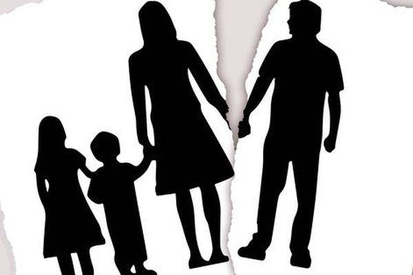Bất ngờ từ đơn khởi kiện giành quyền nuôi con của chồng cũ