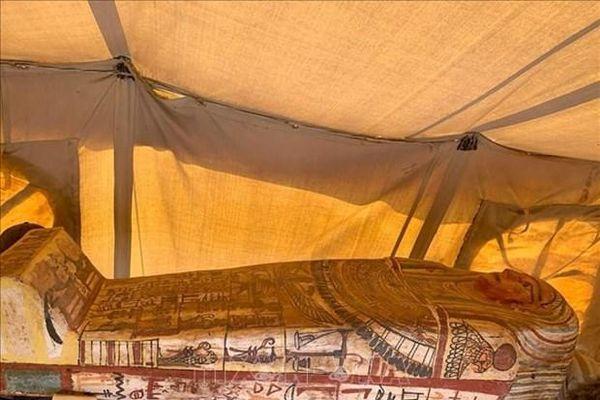 Ai Cập khai quật 14 quan tài cổ tại Saqqara