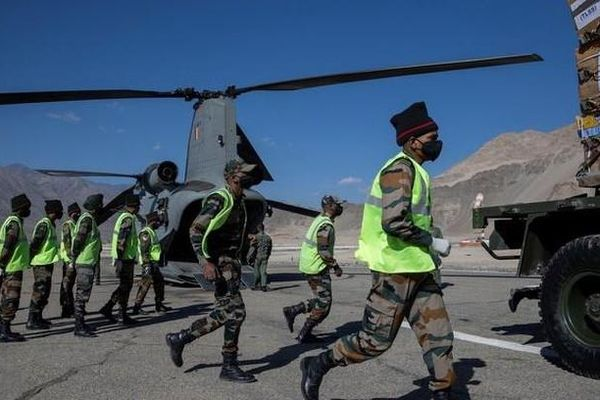 Chỉ huy quân đội Ấn - Trung bất ngờ hội đàm sau gần 2 tháng bế tắc