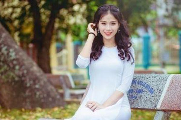 Nữ sinh 20 tuổi tuyên chiến với bệnh ung thư, trở thành Hoa khôi truyền cảm hứng