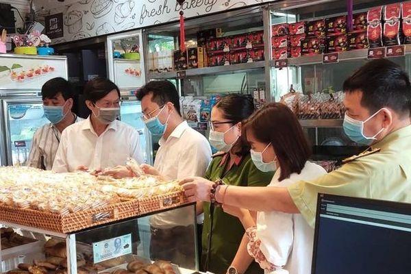 Hà Nội: Kiểm tra đột xuất 3 cơ sở sản xuất bánh trung thu truyền thống, phát hiện một số sai phạm