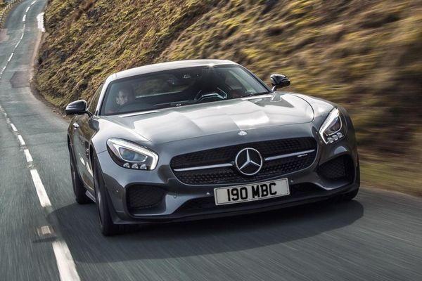 Hàng loạt xe thể thao Mercedes-AMG bị lỗi khí thải
