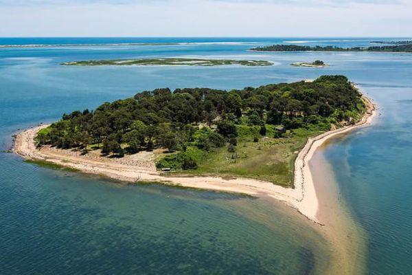 Bí mật hòn đảo hình trái tim không có người đến hơn 300 năm