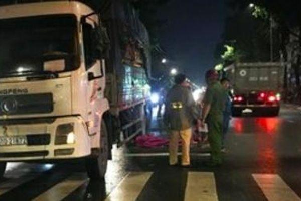 Va chạm giao thông, hai vợ chồng gặp nạn khi gần đến nhà