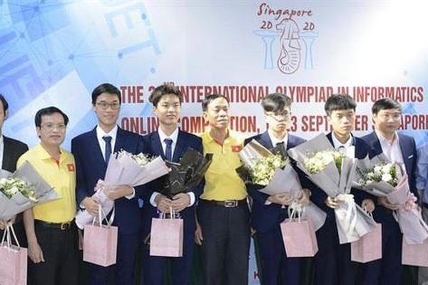 Nam sinh trường chuyên KHTN đoạt Huy chương Vàng tại Olympic Tin học Quốc tế năm 2020