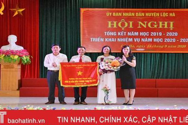 Lộc Hà tuyên dương 31 tập thể, cá nhân đạt thành tích cao trong dạy học