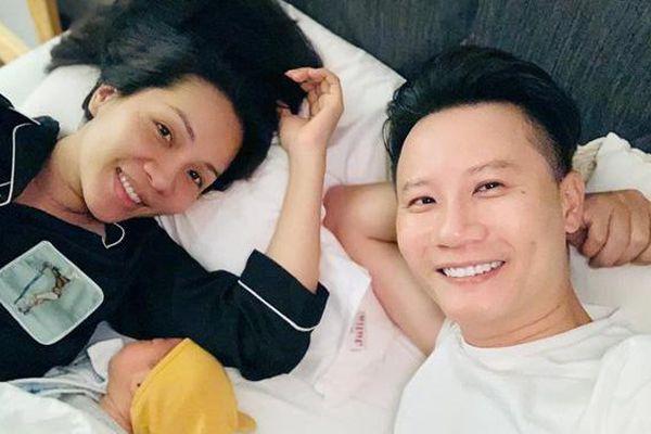 Hoàng Bách sáng tác ca khúc 'Vượt biển' dành tặng vợ con