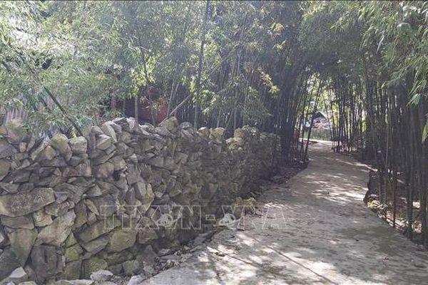 Bờ rào đá – nét kiến trúc độc đáo của người Mông ở Hà Giang