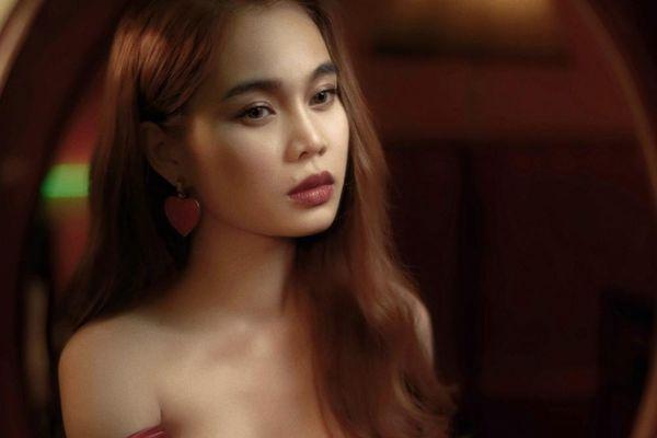 Giang Hồng Ngọc tái hợp bạn nhảy Daniel với 'Một cuốn tự tình'