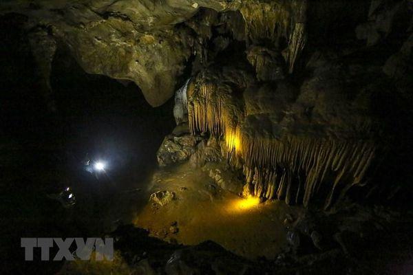 Điện Biên: Khám phá vẻ đẹp kỳ vĩ của hang động Chua Ta