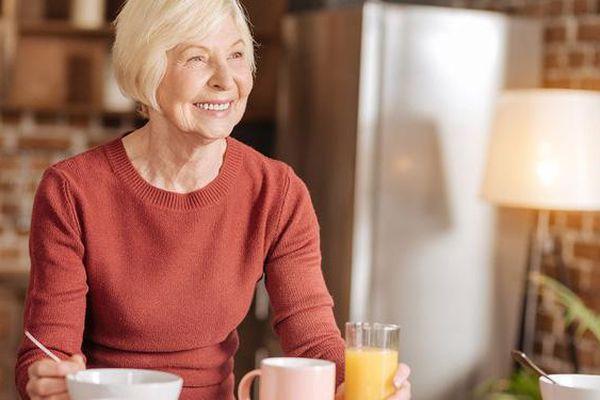 Những món người cao tuổi nên tránh ăn vào mùa thu