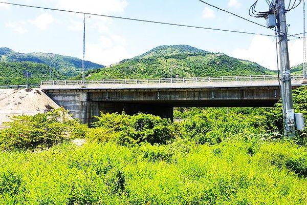 Mong sớm xây cầu Gia Long