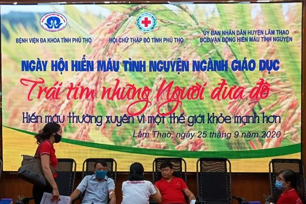 Phú Thọ: Ngày hội hiến máu tình nguyện 'Trái tim những người đưa đò' Ngành giáo dục huyện LâmThao
