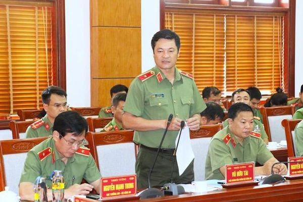 Thứ trưởng Bùi Văn Nam làm việc tại Công an tỉnh Nghệ An
