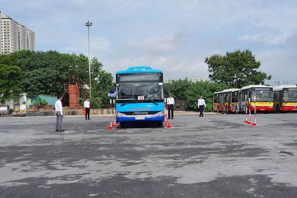 Tài xế xe buýt sôi nổi tranh tài lái xe giỏi, an toàn 2020