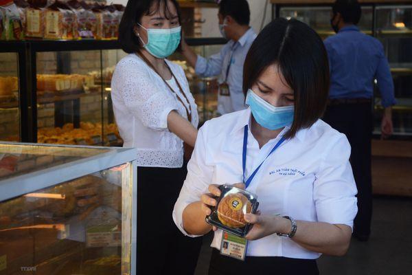Tăng cường kiểm tra các cơ sở sản xuất, kinh doanh bánh trung thu