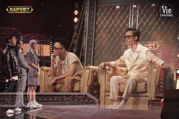 'Rap Việt': Tage - Gừng đối đầu nghẹt thở, Suboi nói gì trước nghi vấn thiên vị Tlinh?
