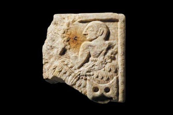 Anh trả tấm phù điêu hơn 4.000 năm tuổi về Iraq