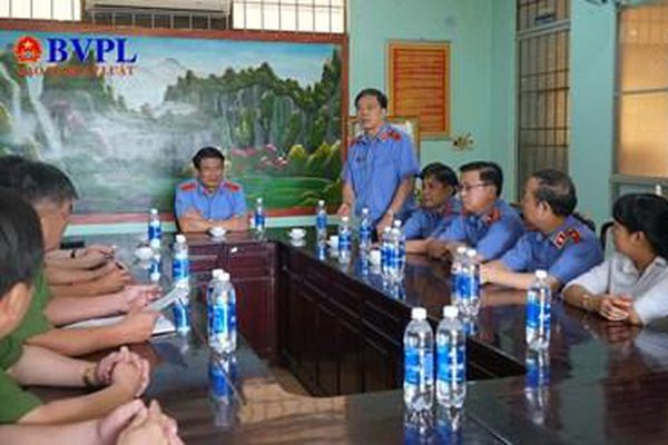 Đồng chí Nguyễn Huy Tiến làm việc với Công an tỉnh Bình Phước về công tác tạm giữ, tạm giam