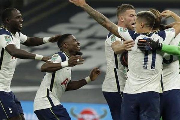 Nghiệt ngã loạt đá luân lưu, Tottenham loại Chelsea ở League Cup