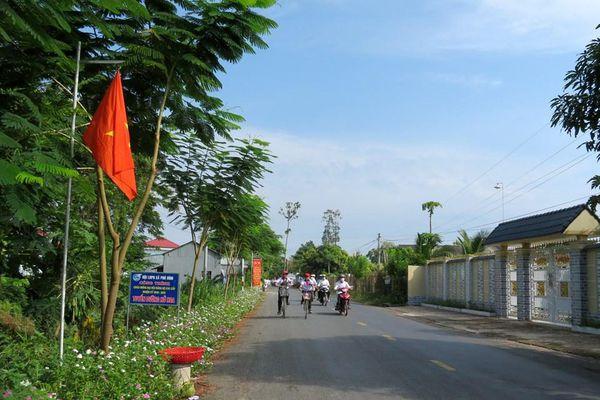 Phú Bình về đích 'Xã nông thôn mới nâng cao'