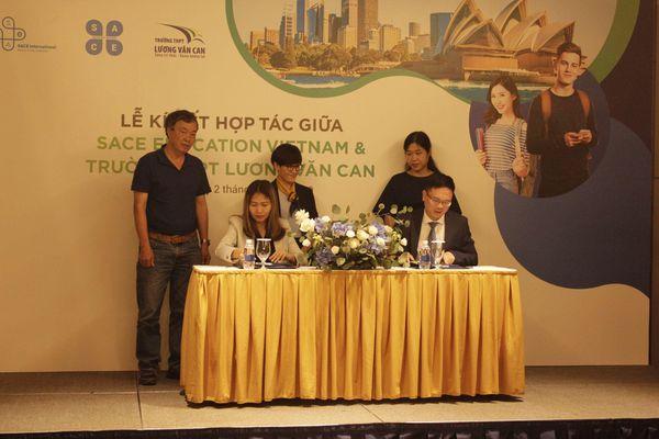 Lần đầu tiên đưa chương trình giáo dục phổ thông Australia về Việt Nam