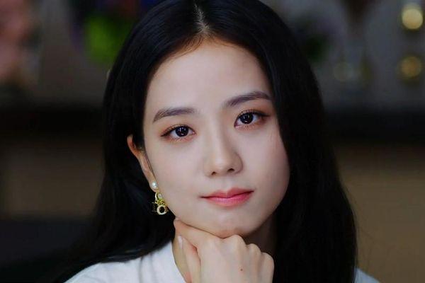 Jisoo bị 'ném đá' chỉ vì được làm nữ chính trong 'Snowdrop', netizen Hàn đang quá đà?