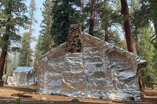 Sáng kiến 'bọc giấy bạc' giúp các căn nhà an toàn trước rừng lửa