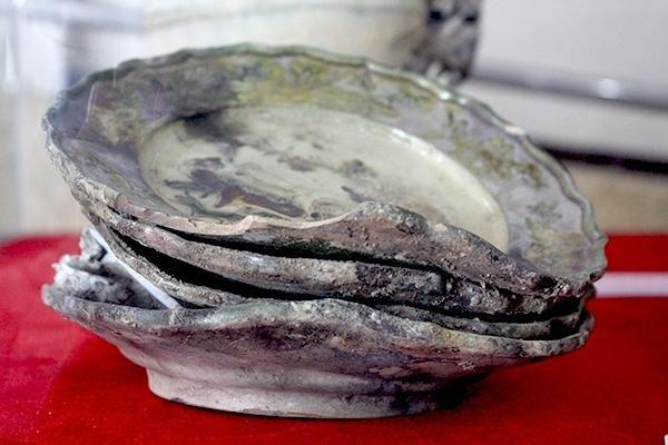 Hàng nghìn hiện vật gốm sứ khai quật từ tàu đắm được triển lãm ở Đà Nẵng