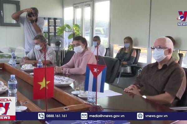 Doanh nghiệp Việt Nam hỗ trợ Cuba chống dịch