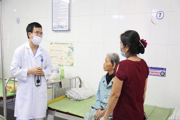 30 phút cứu cụ bà lớn tuổi nhất Việt Nam bị nhồi máu cơ tim