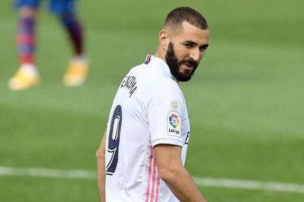 Benzema: 'Tôi sẽ bỏ khát vọng ghi bàn vì Ronaldo'