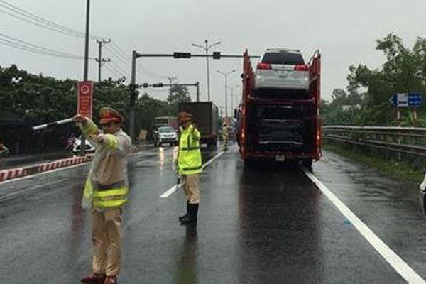 Nỗ lực giúp dân khắc phục hậu quả nặng nề do mưa lũ