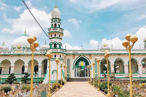 Những công trình kiến trúc độc đáo ở An Giang