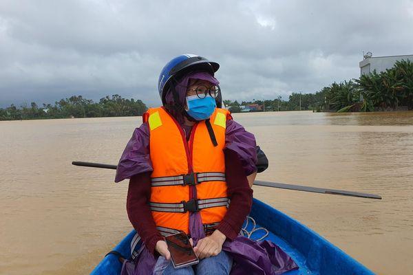 Sinh hoạt của người dân vùng lũ Đà Nẵng