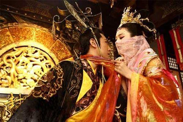 Vén màn bí mật vị hoàng đế si tình Trung Hoa đã bất chấp tất cả khi Hoàng hậu qua đời