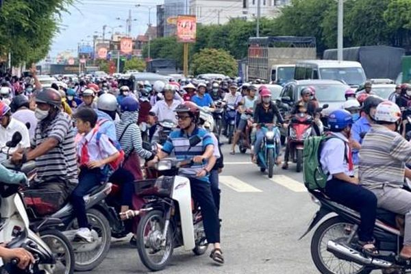 Đề xuất giải pháp đảm bảo trật tự, an toàn giao thông trước cổng trường học