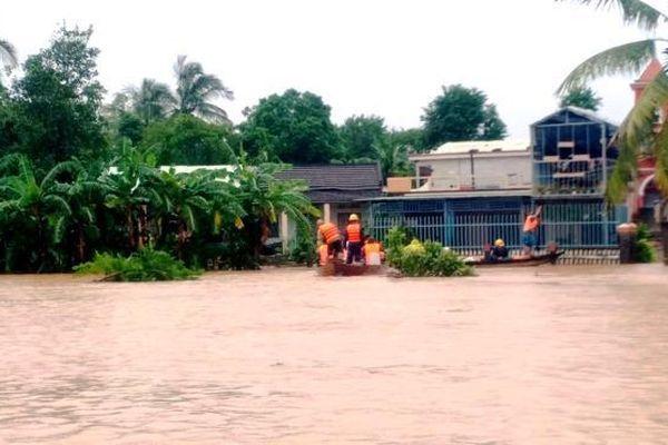 Hồ thủy điện xả lũ, miền Trung khó khắc phục ngập lụt: Bộ Công Thương nói gì?