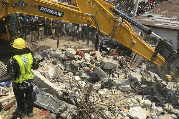 Sập nhà ở Nigeria, 7 người thiệt mạng