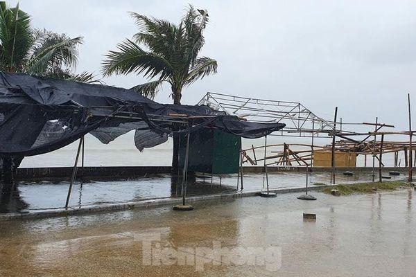 Thanh Hóa cấm biển, đóng cửa sân bay ứng phó với bão số 7