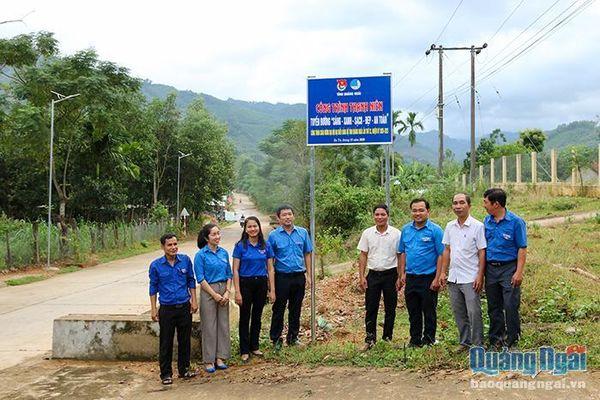 Lễ bàn giao Công trình thanh niên 'Tuyến đường Sáng – Xanh – Sạch – Đẹp'