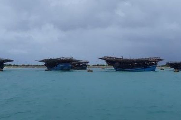 Hải quân Trường Sa giúp ngư dân tránh áp thấp nhiệt đới trên Biển Đông